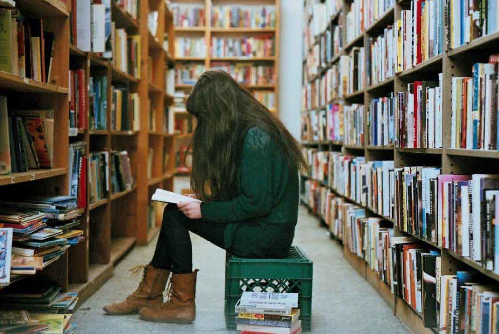Какую книгу выбрать? Знаки зодиака в библиотеке